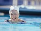 Ingyenes úszás lehetőség 75 éven felülieknek